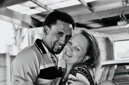 Joana Walczuk y Nathan Daniels